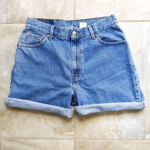 Vtg Levi's High Waist Mom Jeans Denim Shorts W31